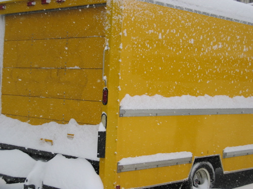 21206yellowswnowtruck.jpg