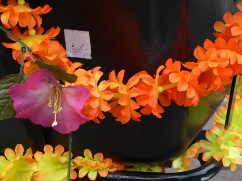82307orangeyellowflowers.jpg
