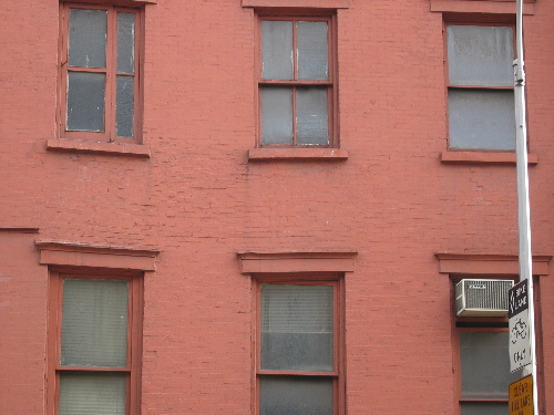 sagging red bldg.jpg